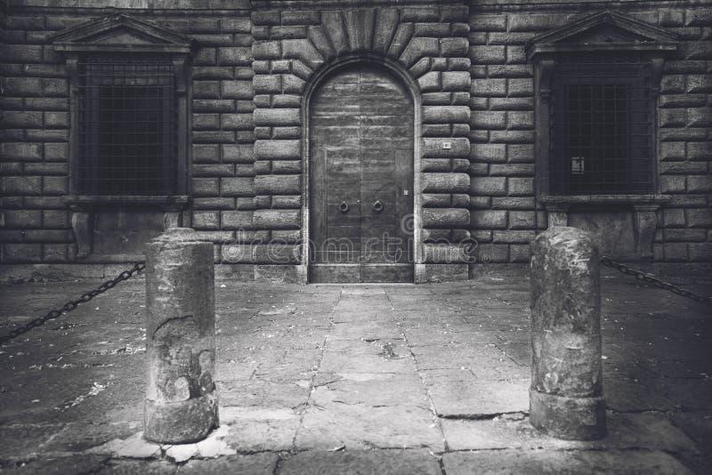 De stad van Toscanië in zwart-wit royalty-vrije stock afbeelding