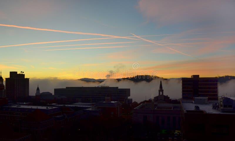 De stad van zonsopgang royalty-vrije stock foto