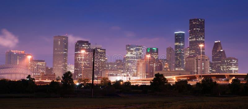 De Stads Stedelijke Horizon Van de binnenstad Houston van de nacht Panoramische Samenstelling royalty-vrije stock afbeeldingen