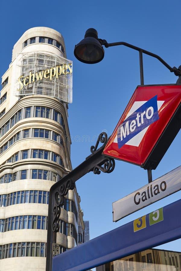 De stadscentrum van Madrid de stad in met ondergrondse post en spanje stock afbeelding