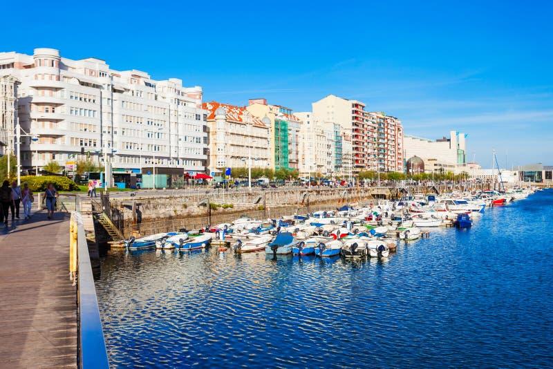 De stadsdijk van Santander in Spanje stock foto