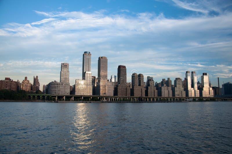 De stadshemel -hemel-scrapper van New York