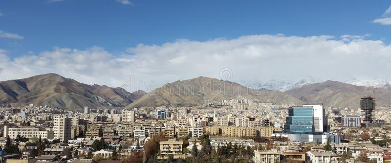 De stadshoofdstad van Teheran van Iran in luchtmening van royalty-vrije stock foto