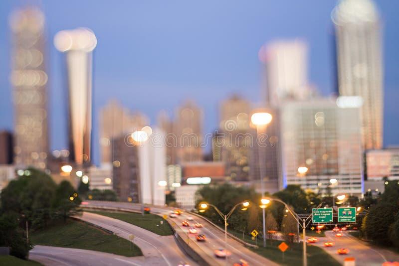 De stadshorizon van Atlanta Georgië vroege ochtend met schuine standeffect stock afbeelding