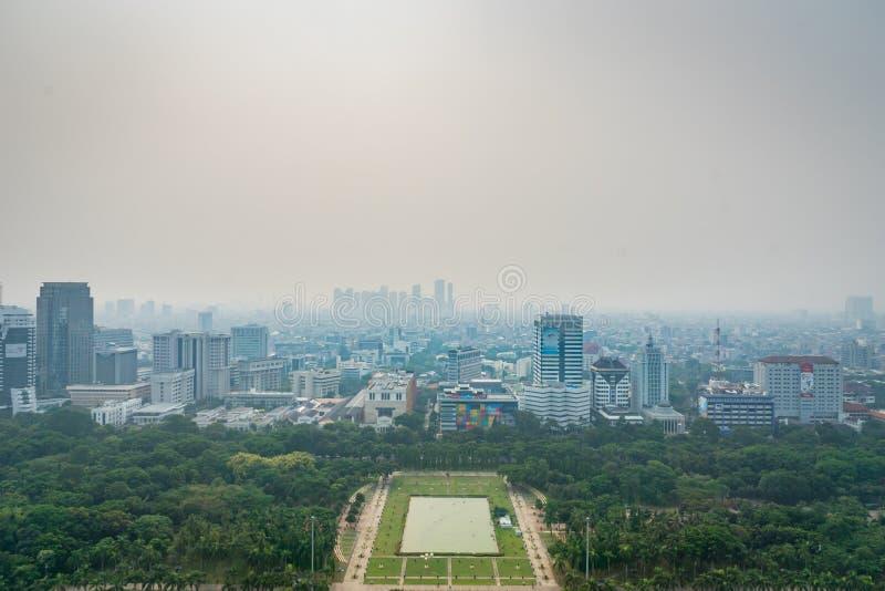 De stadshorizon van Djakarta, in centraal Djakarta, Indonesië royalty-vrije stock afbeelding
