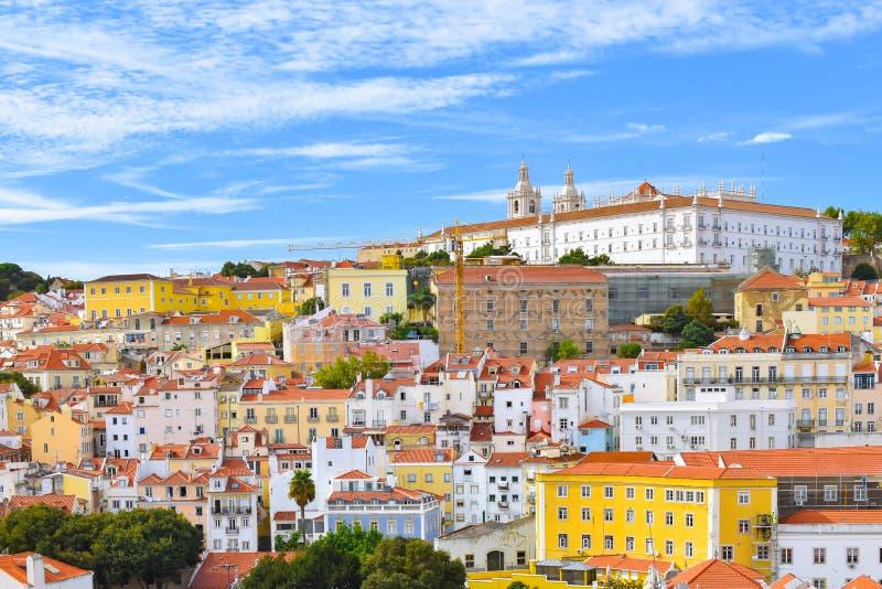 De stadshorizon van Lissabon in Alfama, Portugal royalty-vrije stock afbeeldingen