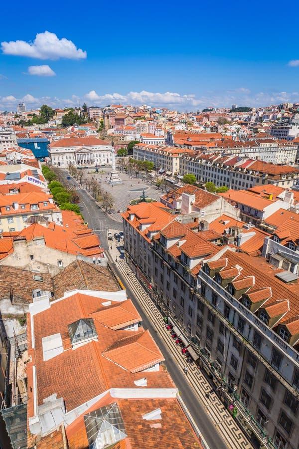 De stadshorizon van Lissabon, Portugal over Santa Justa Rua royalty-vrije stock fotografie