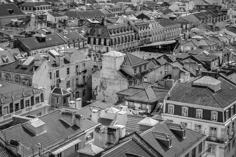 De stadshorizon van Lissabon, Portugal over Santa Justa Rua stock afbeelding