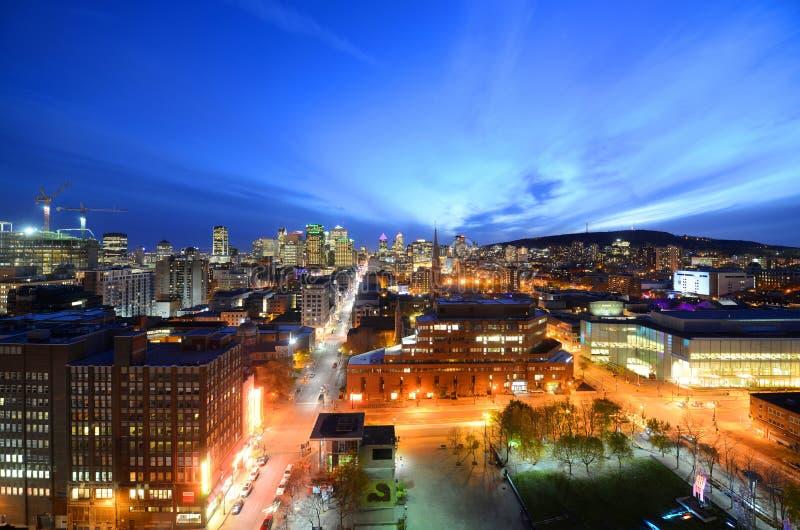 De stadshorizon van Montreal bij zonsondergang, Quebec, Canada stock foto's