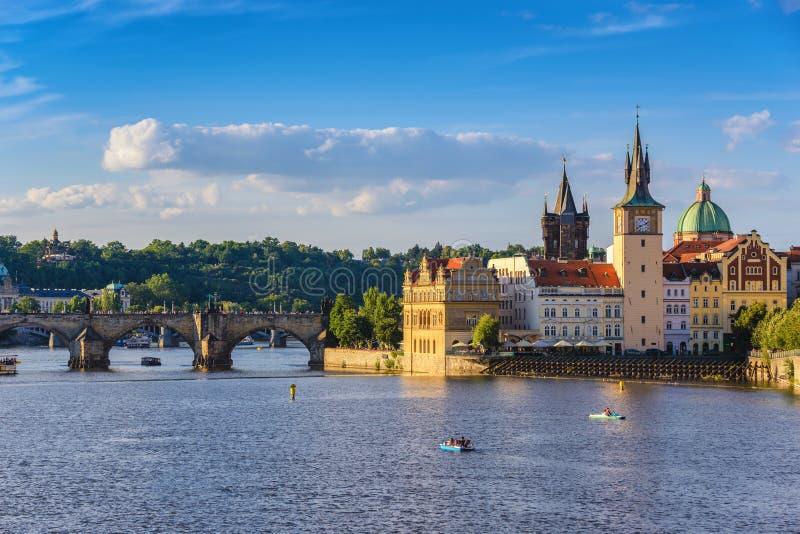 De stadshorizon van Praag royalty-vrije stock fotografie