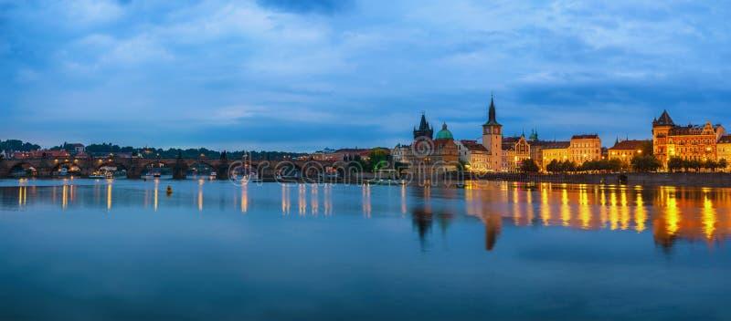 De stadshorizon van Praag royalty-vrije stock afbeelding