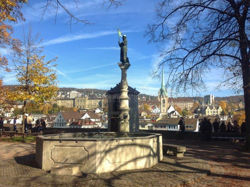 De Stadslandschap van Zürich stock afbeeldingen