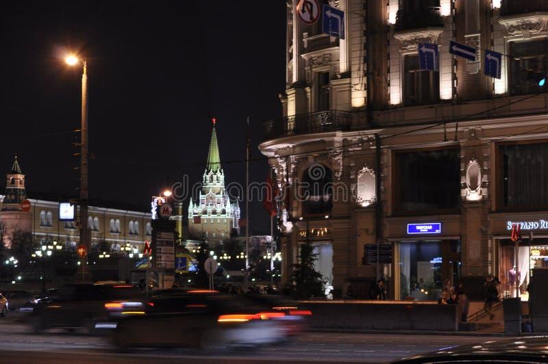 De stadslichten bij nacht stock foto's