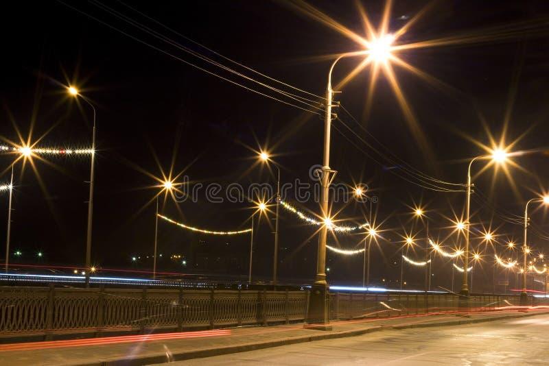 De stadslichten van de nacht stock afbeelding