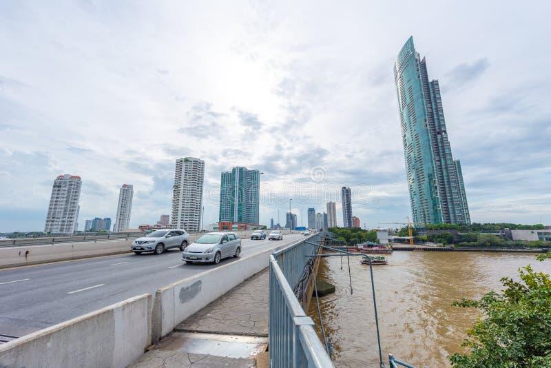 De stadsmening van Bangkok van de rivier belangrijke rivier van chaophraya in Thailand royalty-vrije stock afbeeldingen