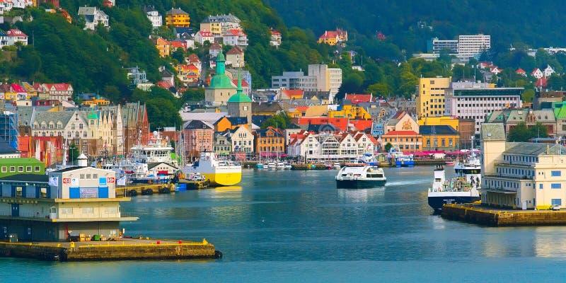 De stadsmening van Bergen, Noorwegen met haven royalty-vrije stock foto's