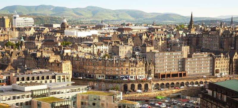 De stadsmening van Edinburgh stock afbeeldingen