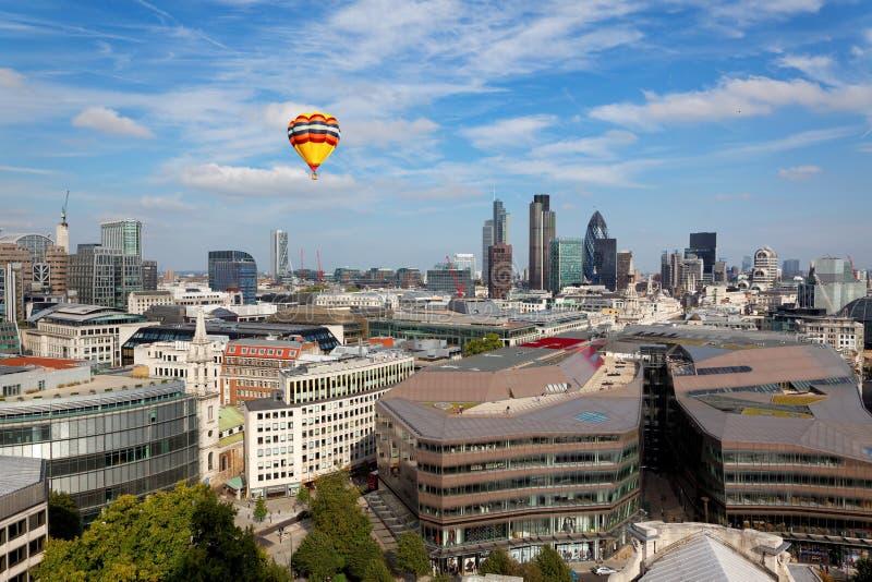De stadsmening van Londen vanaf de bovenkant van St Paul Cathedral royalty-vrije stock afbeelding