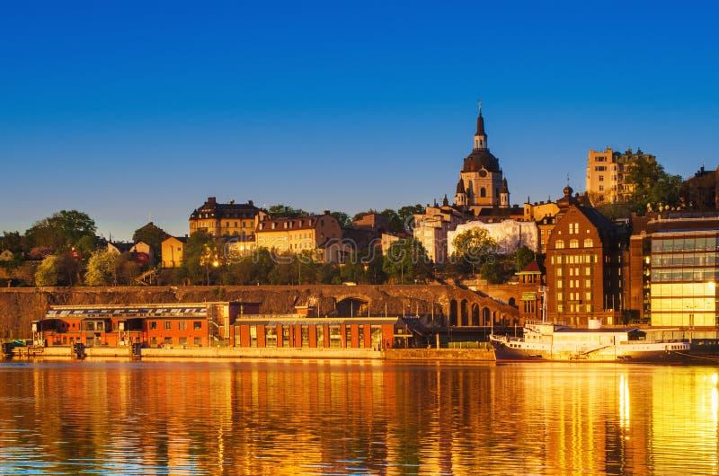 De stadsmening van Stockholm bij zonsopgang royalty-vrije stock afbeelding