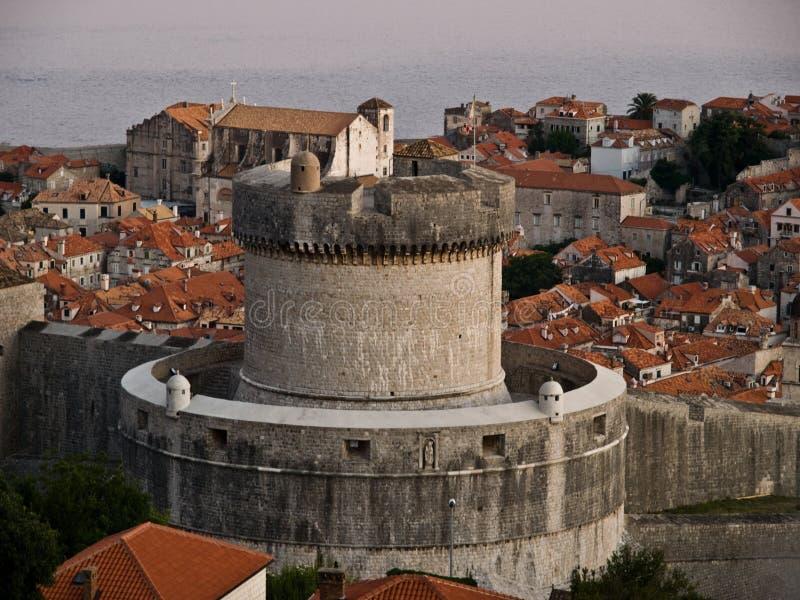 De stadsmuren van Dubrovnik royalty-vrije stock foto