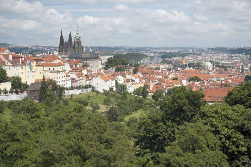 De stadsoriëntatiepunt van Praag - het kasteel van Praag stock fotografie