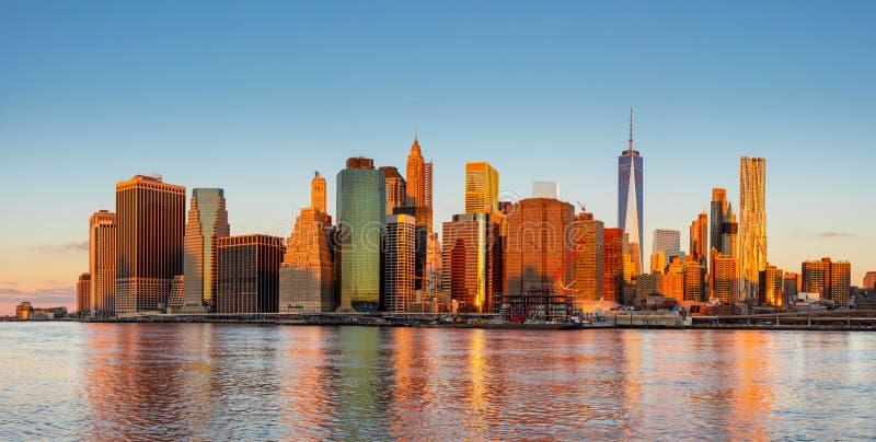 De Stadspanorama van New York - het bedrijfsdistrict van Manhattan en bij stock foto