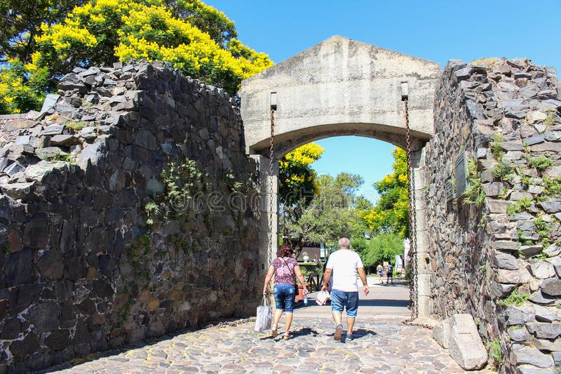De stadspoort van Puertaldel campo in Colonia del Sacramento in Uruguay royalty-vrije stock foto's