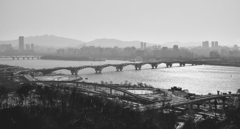 De stadsrivier van Seoel stock afbeelding