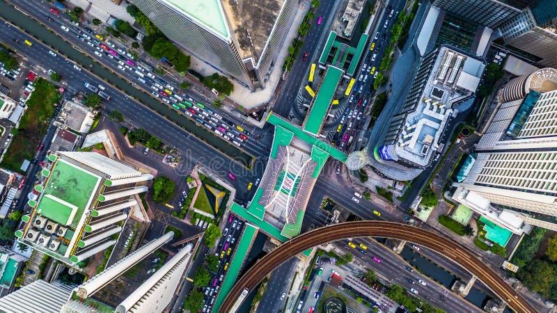De Stadssatellietbeeld van Bangkok, Satellietbeeld van hierboven van wolkenkrabber en verkeer in Bangkok, Thailand stock foto
