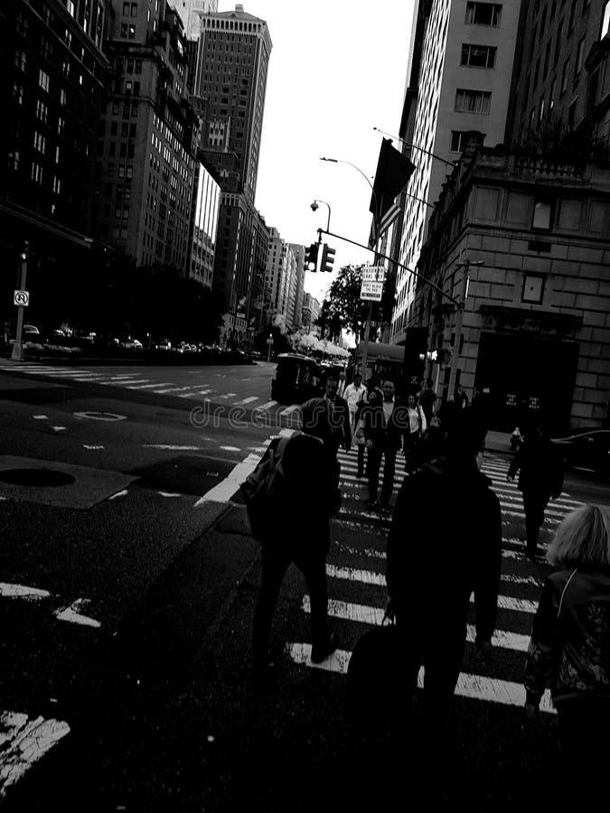 De Stadsstraat van New York in Zwart-wit royalty-vrije stock fotografie