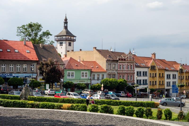 De stadsvierkant van Karlovonamesti in Roudnice-nad Labem royalty-vrije stock afbeeldingen