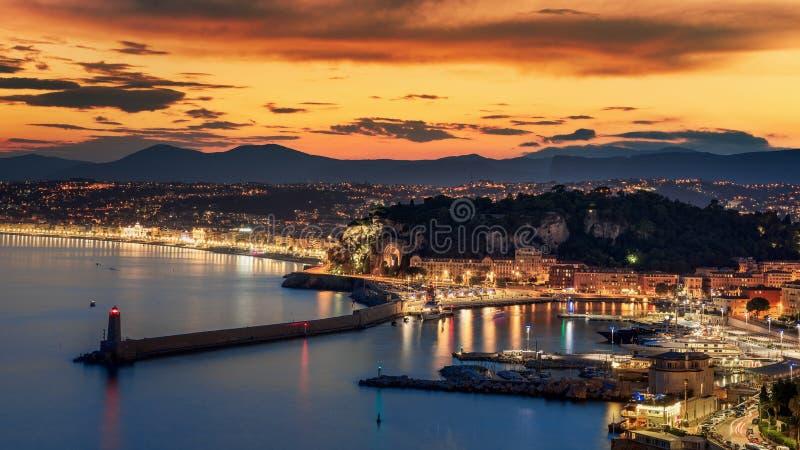 De stadszonsondergang van Nice stock foto's