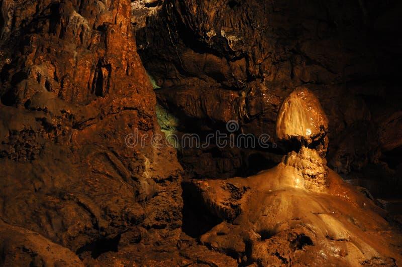 De stalactiet van de ?paddestoel? bij Rood hol, de Oekraïne stock foto