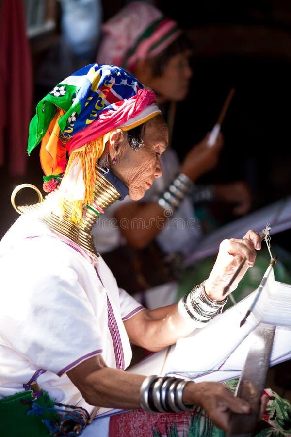 De stamvrouw van Padaung stock foto