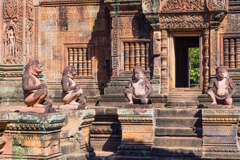 De Standbeelden van Boedha van Banteay Srei stock fotografie
