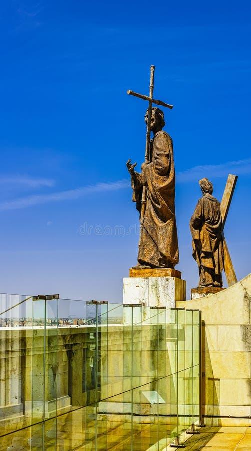 De standbeelden van Kathedraal van Almudena stock fotografie
