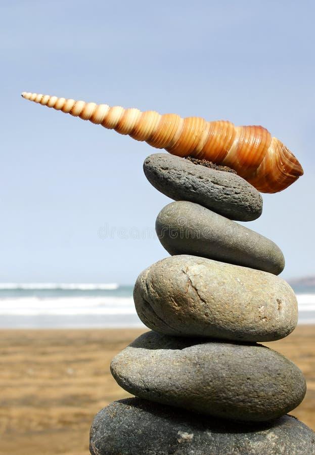 Download De Stapel van het strand stock foto. Afbeelding bestaande uit vrede - 279166