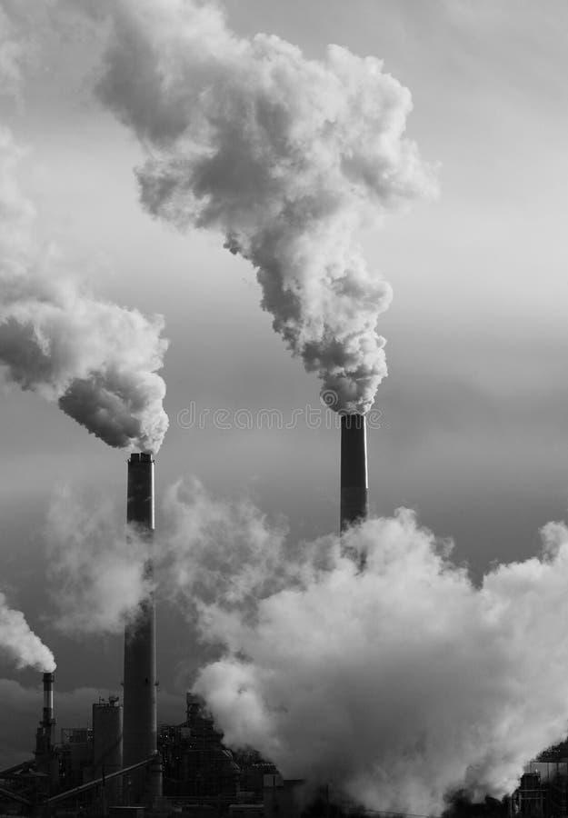 De stapels van de rook - Industriële Emissie stock afbeelding