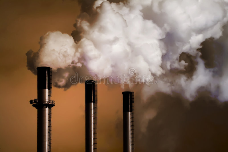 De Stapels van de Rook van de Installatie van de steenkool stock afbeelding