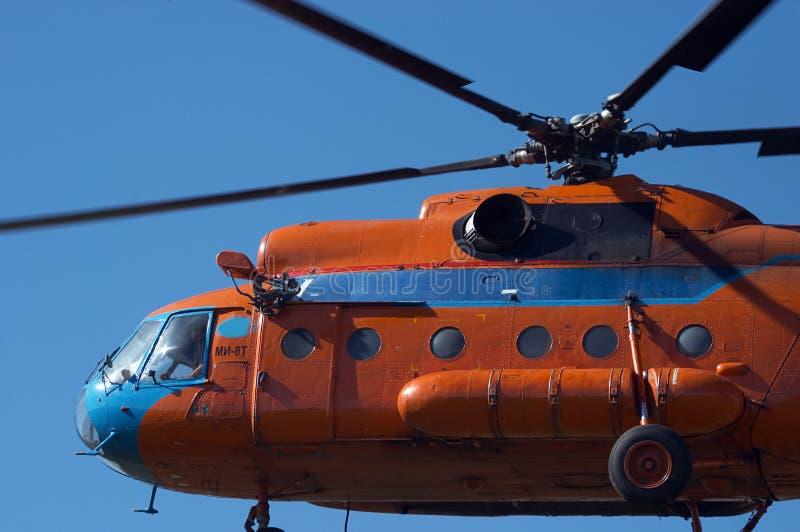 De start van de helikopter royalty-vrije stock afbeeldingen