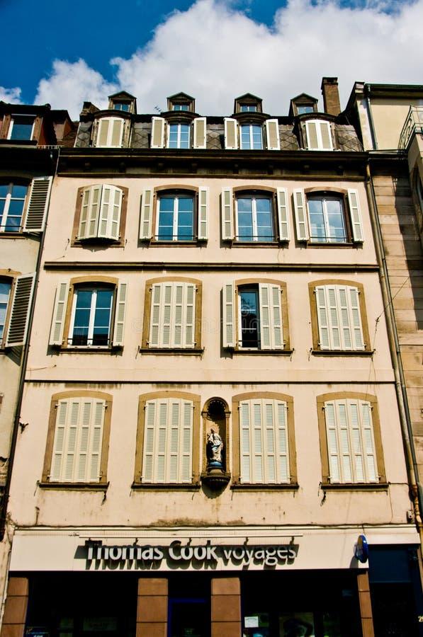 De stedelijke architectuur van Frankrijk Strasborg in de zomer stock afbeelding