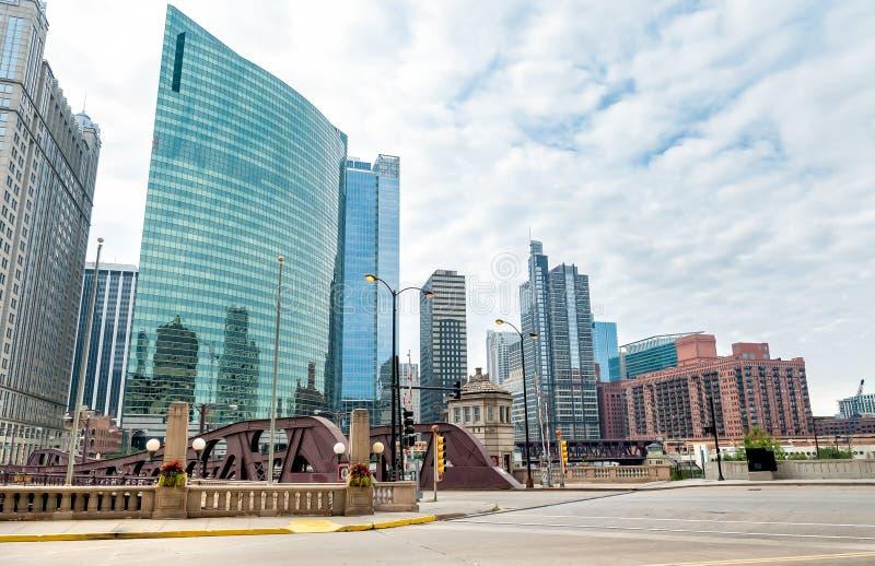 De stedelijke de stratenmening van de binnenstad van Chicago, Illinois royalty-vrije stock afbeelding