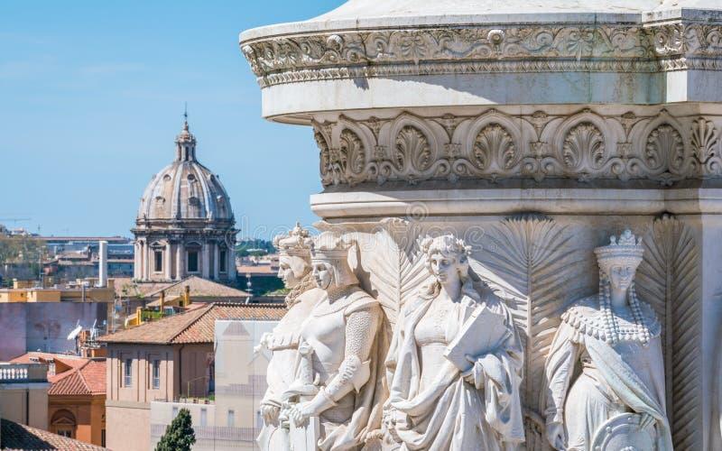 De steden van Italië, ifrom het voetstuk van Vittorio Emanuele II standbeeld in Altare-della Patria in Rome, Italië stock foto's