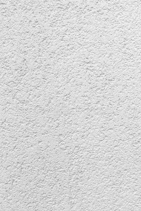 De steekproef van buitenpleister in lamsstijl, kleine korrels, sluit omhoog, witte kleur, voorgevels van huizen, textuur en achte royalty-vrije stock afbeelding