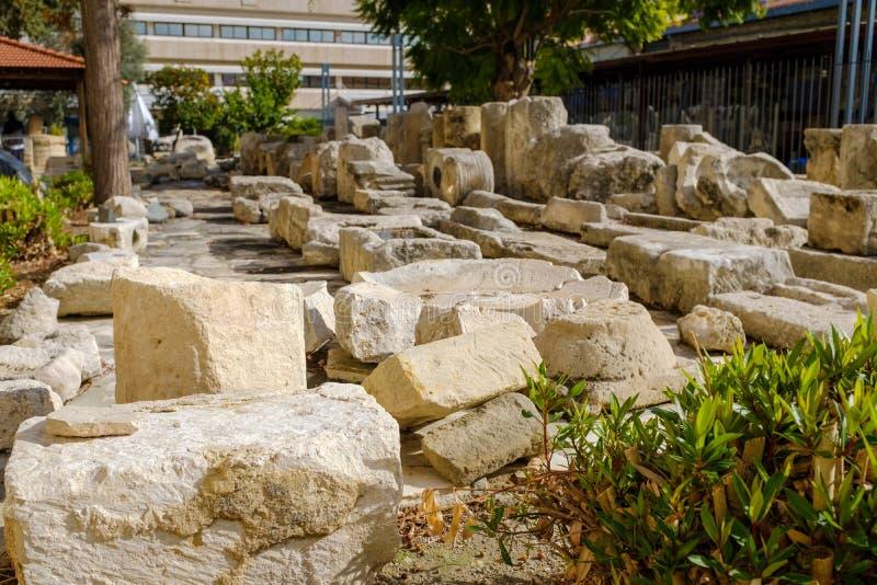 De steen blijft door het Limassol Kasteel royalty-vrije stock fotografie