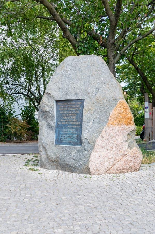 De steen voor onthoudt slachtoffers van Oorlogswereld II stock fotografie