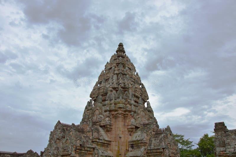 De steenkasteel van de Phanomsport in Thailand stock afbeeldingen