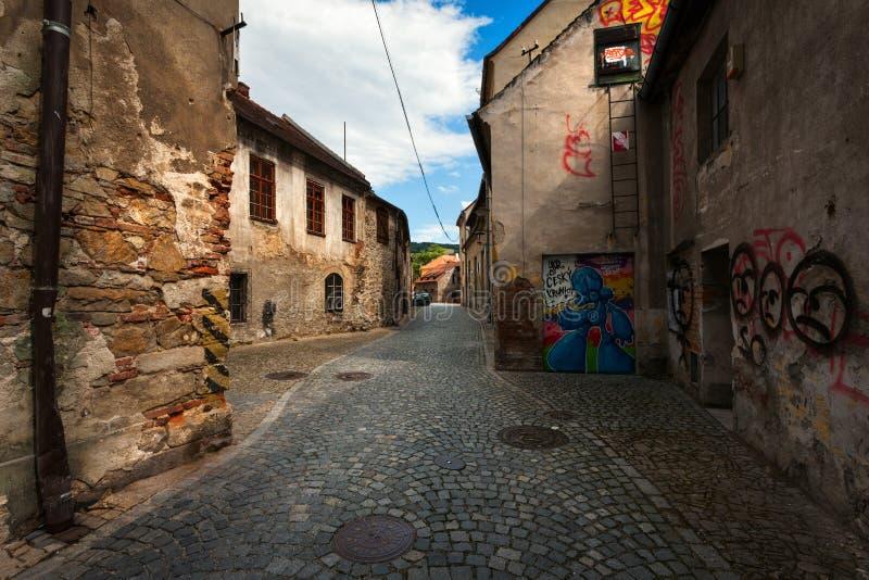 De stegen en de straten van Cesky Krumlov Tsjechische Republiek stock foto's