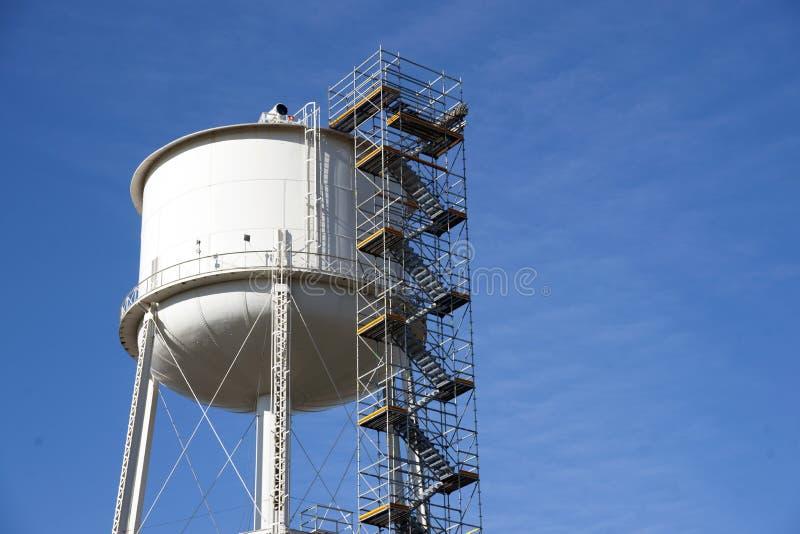 Download De Steiger Van De Watertoren Stock Foto - Afbeelding bestaande uit militair, toren: 54092002