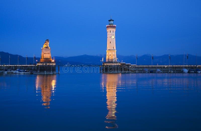 De stemming van de avond bij de haven van Lindau royalty-vrije stock fotografie